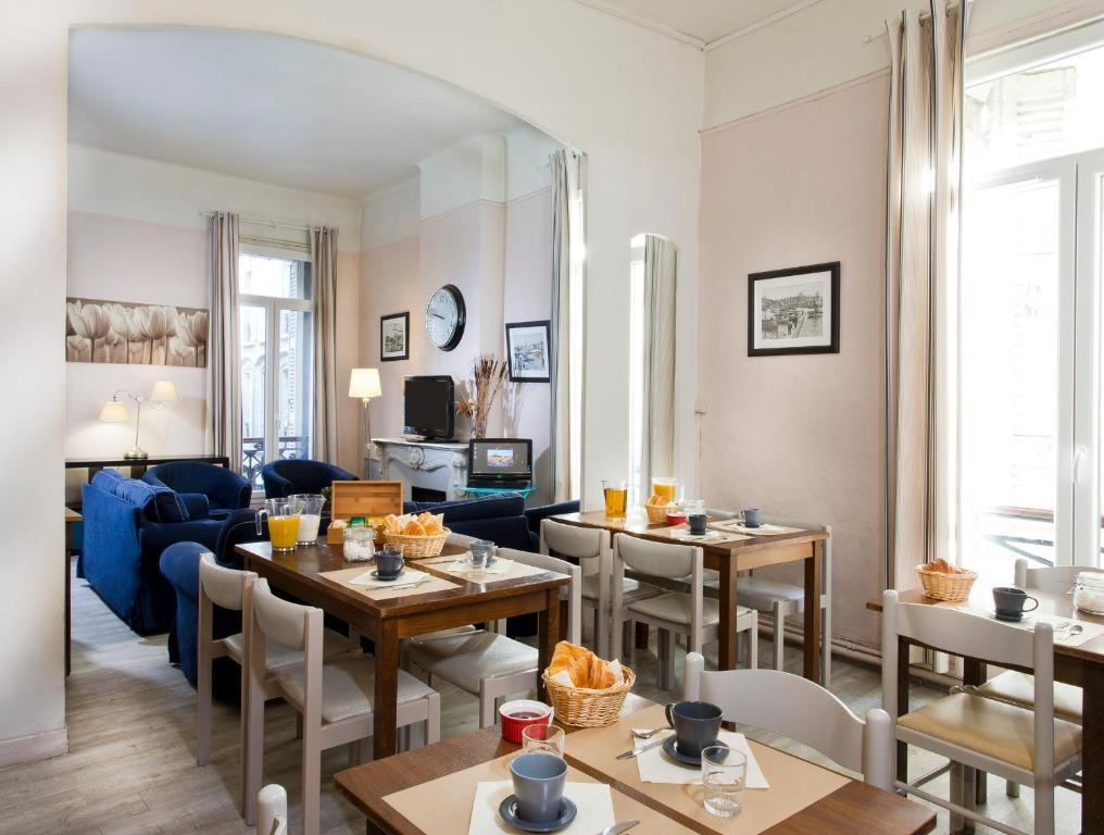 Restaurant ou autre lieu de restauration dans l'établissement Hôtel Sylvabelle