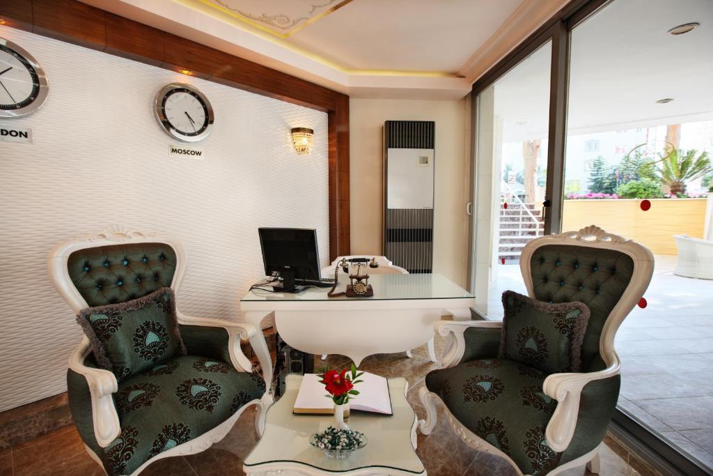 Гостиная зона в Alaiye Kleopatra Hotel