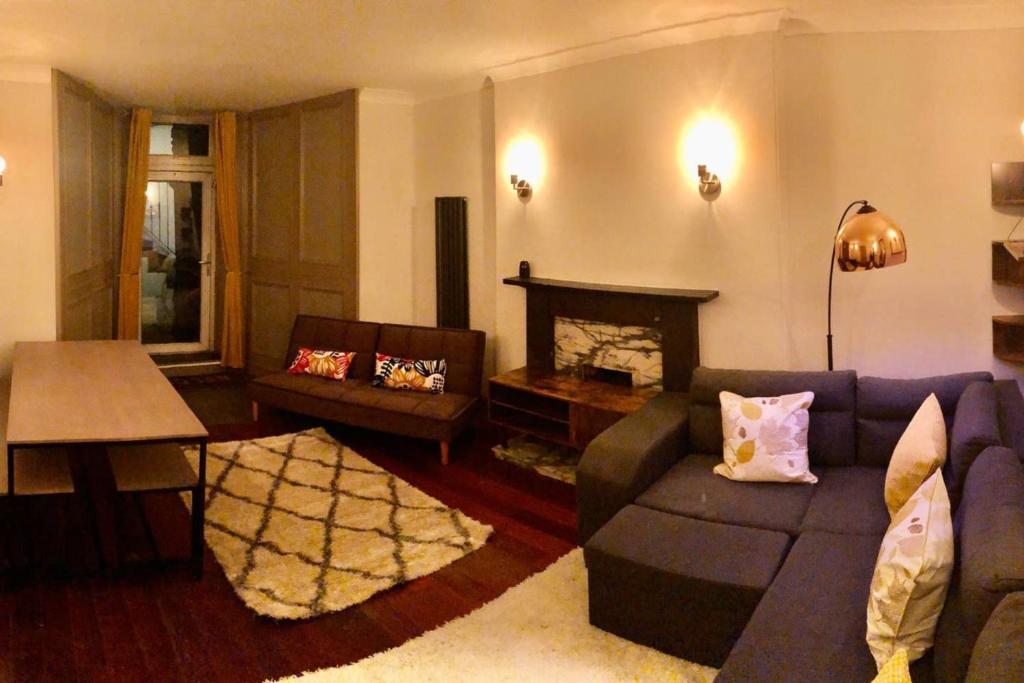 Elegant And Homely 3 Bedroom Edinburgh Flat