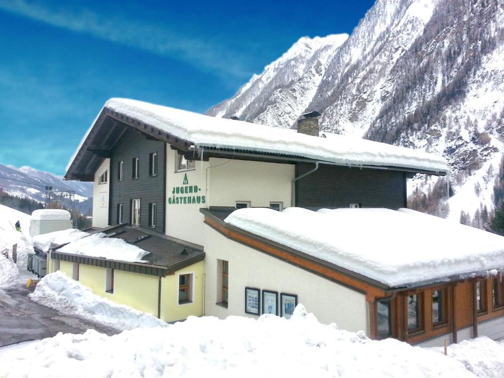 Jugend- und Familiengästehaus Heiligenblut im Winter