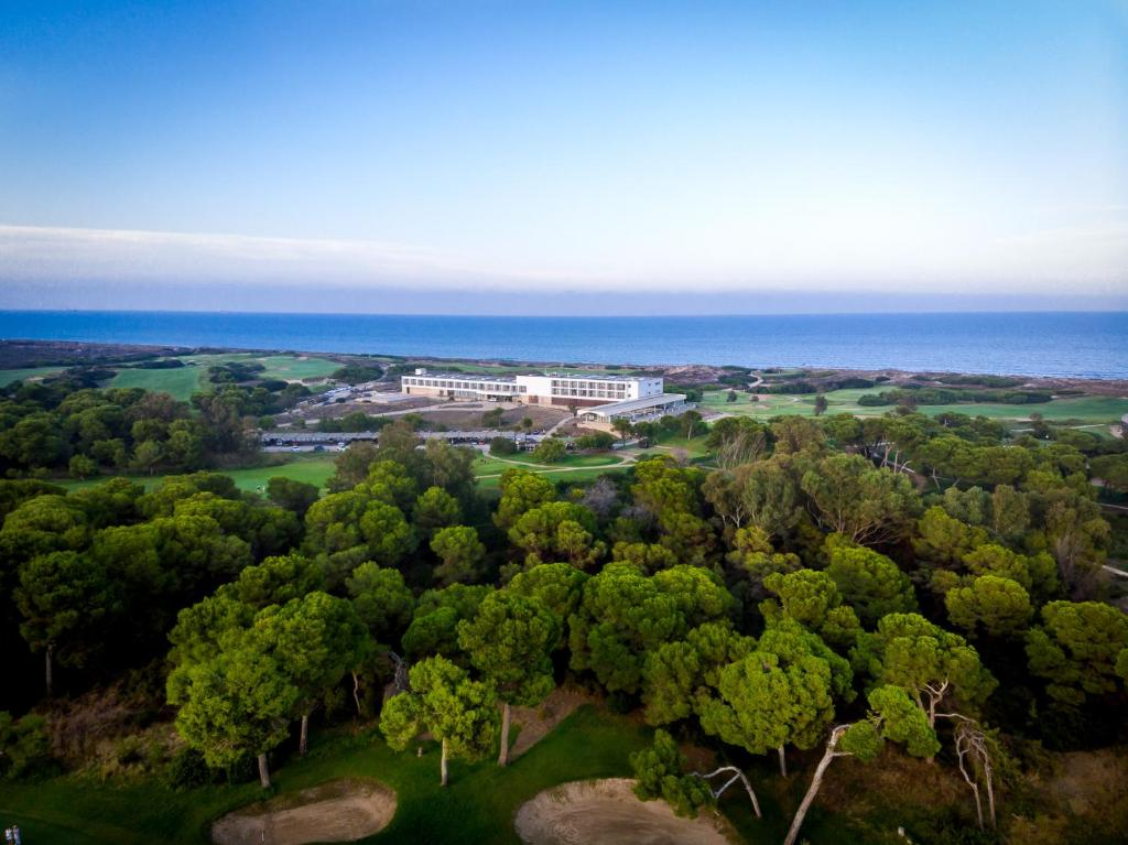 A bird's-eye view of Parador de El Saler