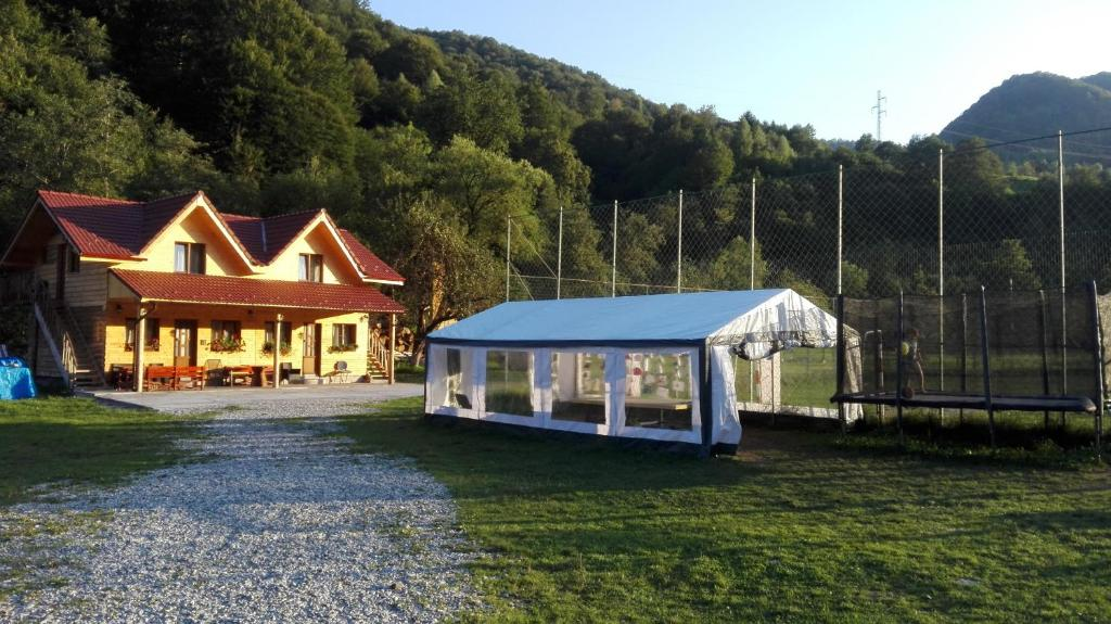 Complex turistic Nora Rau Sadului