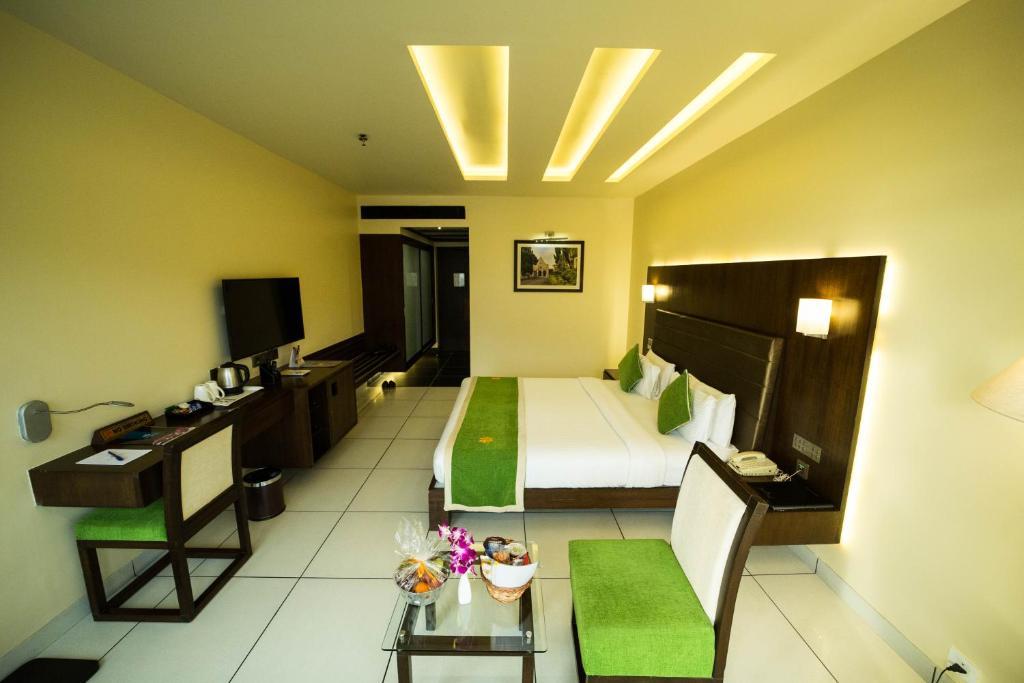 The Gold Beach Resort Daman India