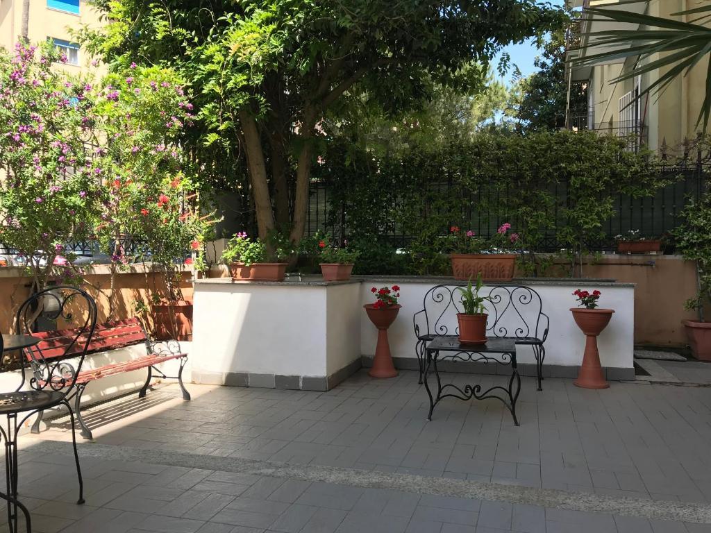 Divanetto Per Balcone Piccolo hotel riviera varazze i varazze – uppdaterade priser för 2020