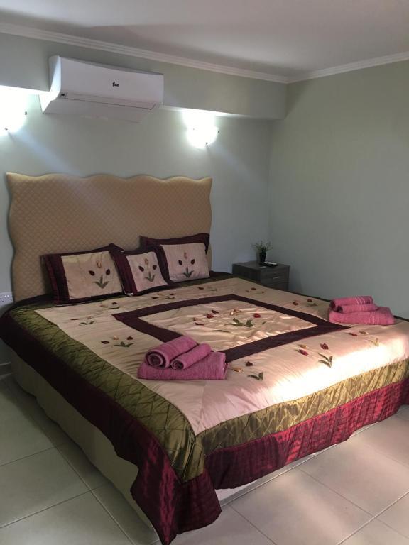 Lova arba lovos apgyvendinimo įstaigoje Livadia studio