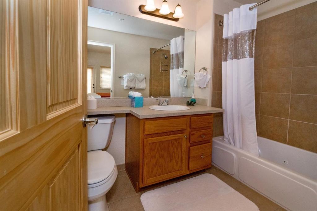 Elkhorn 116 Apartment