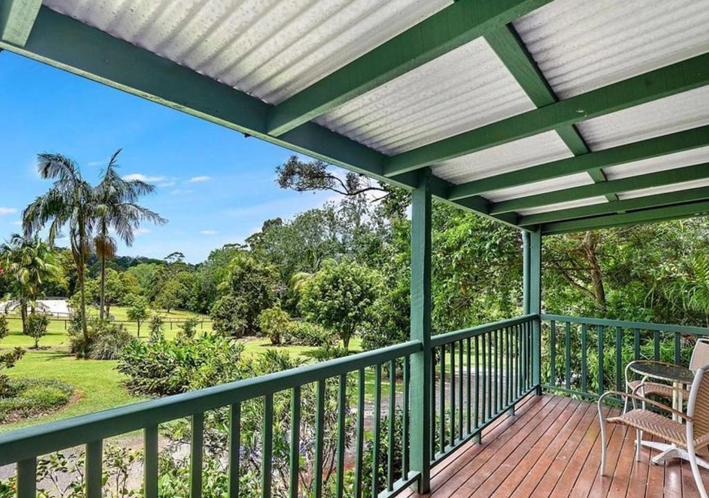 A balcony or terrace at The Cottages On Mount Tamborine