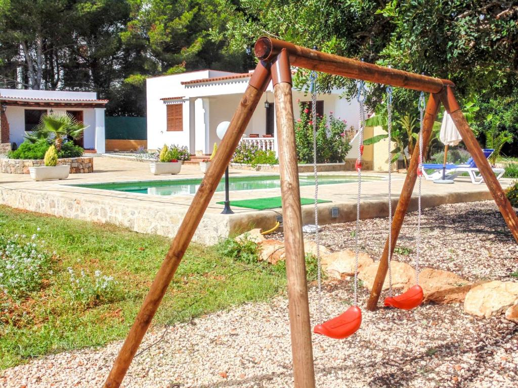 Children's play area at Cana Lali