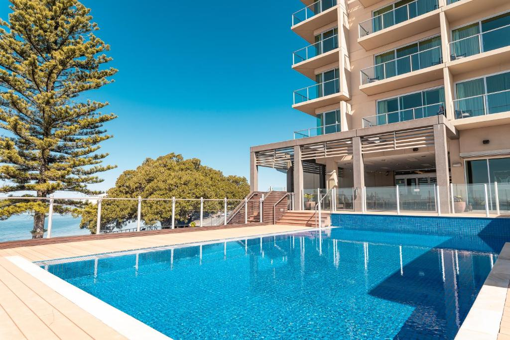 The swimming pool at or close to Port Lincoln Hotel