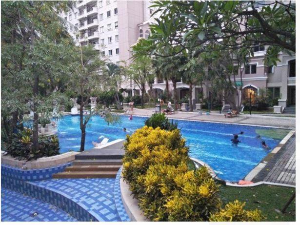 Fifi Sewa Apartemen Surabaya Lontar