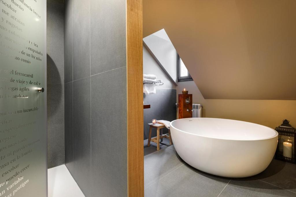 boutique hotels in huesca  240