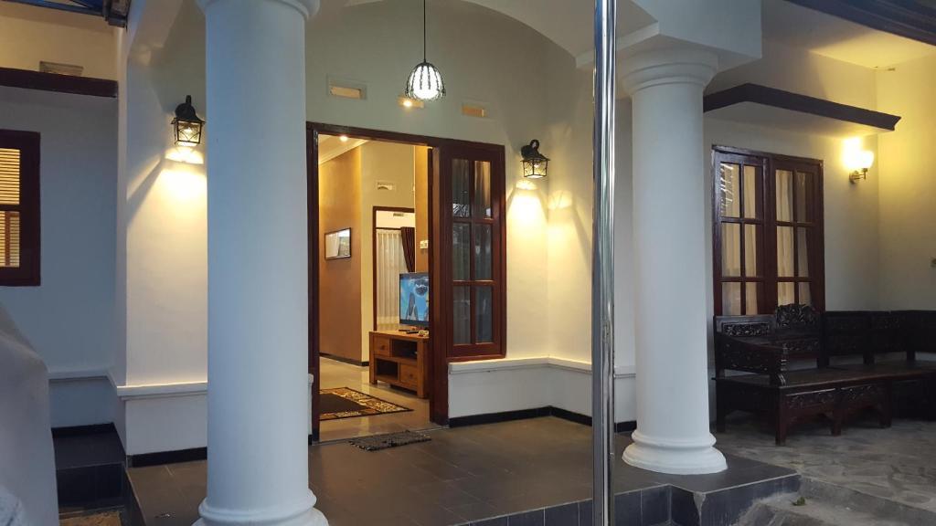 Omah Lumut Malang Villa 3 Indonesia Booking Com