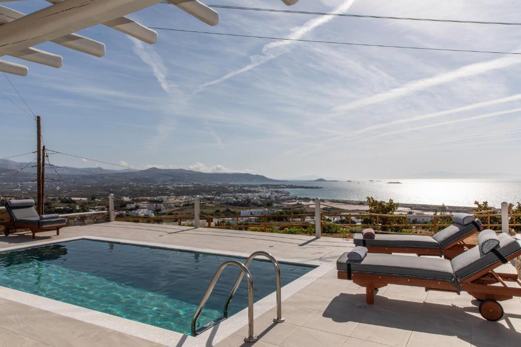 Πισίνα στο ή κοντά στο Mythology Villas & Suites