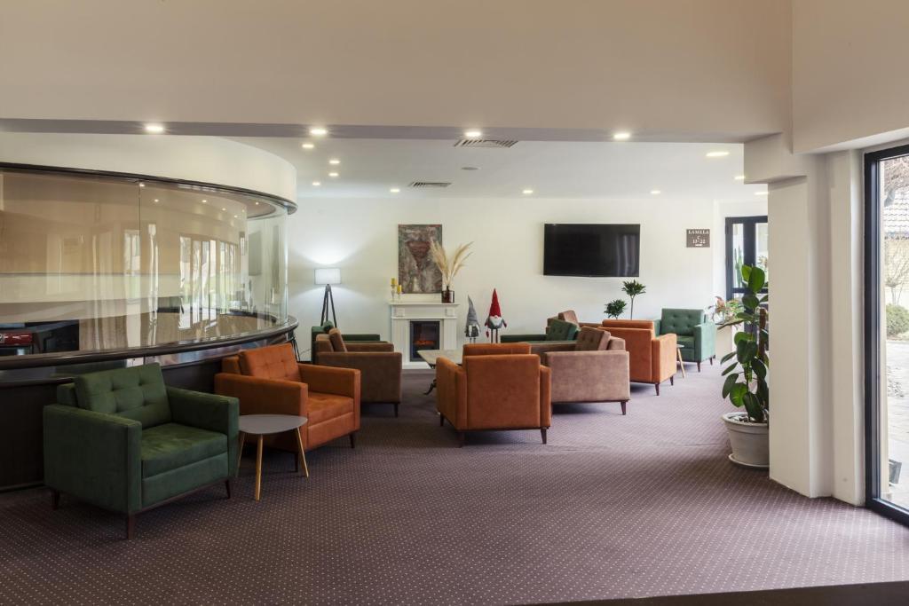 Prostor za sedenje u objektu Hotel Livade