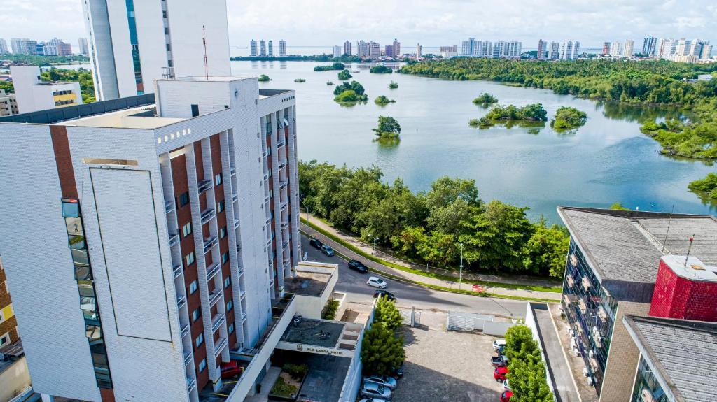 Uma vista aérea de SLZ Lagoa Hotel