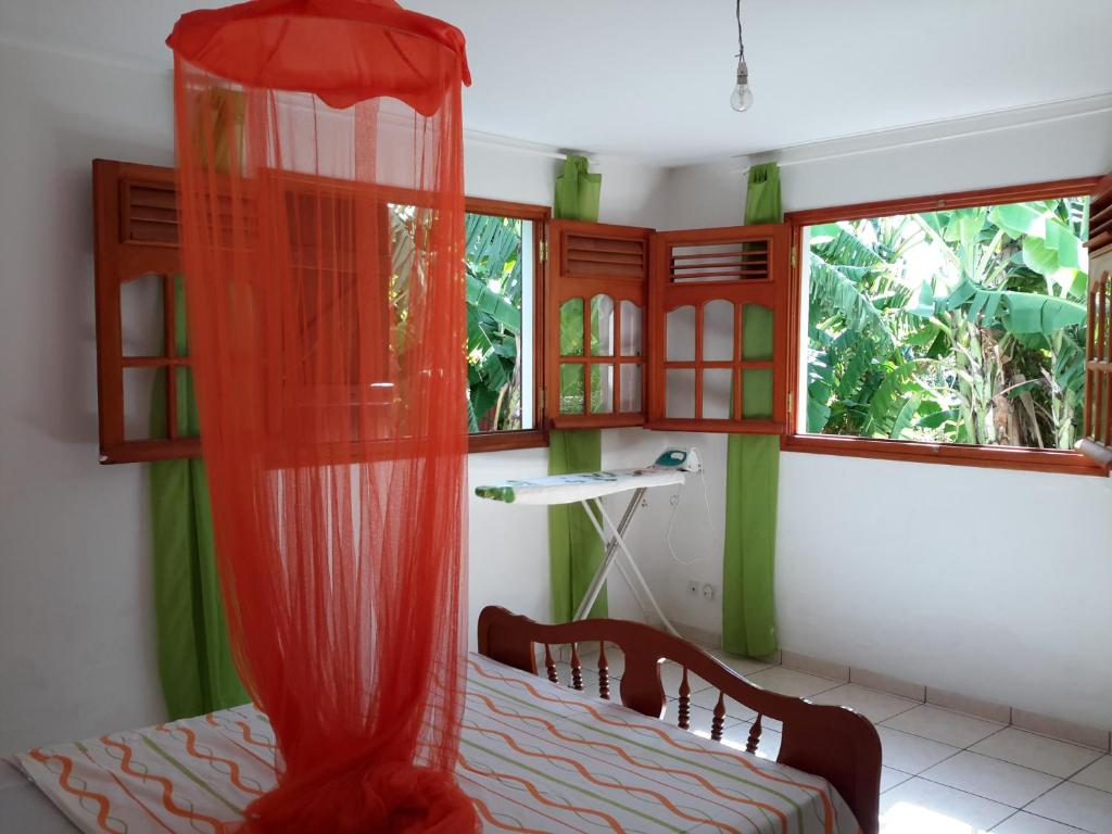 Pied De Lampe Am Pm charmant bas de villa traditionnel, basse-terre, guadeloupe