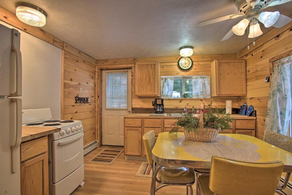 Interlochen Cabin Less Than 1 Mile From
