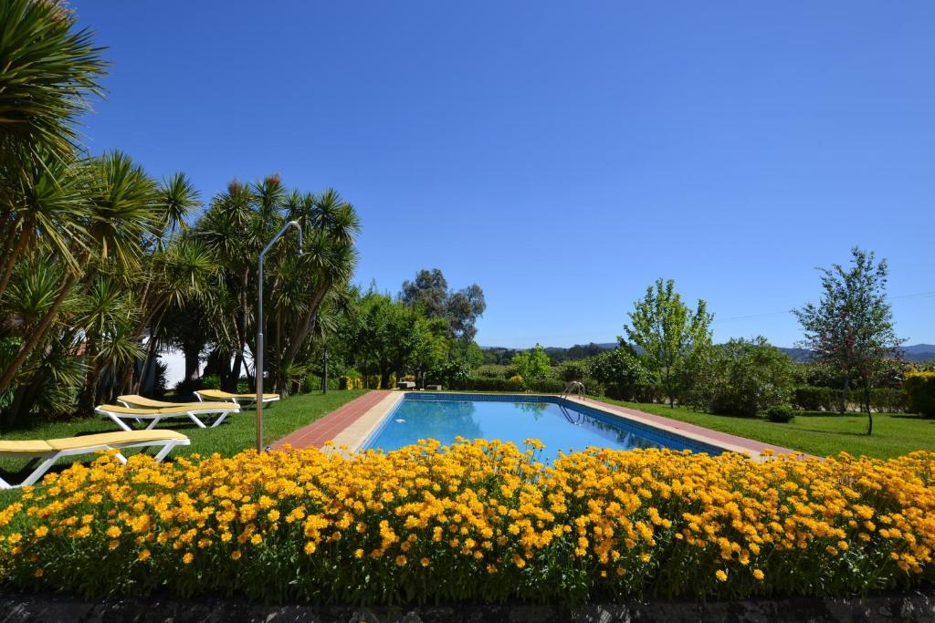 The swimming pool at or near Quinta de São Bento