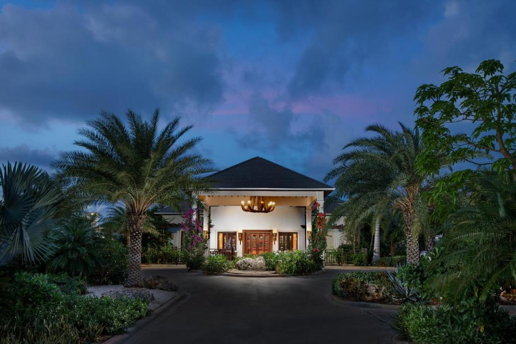 Zemi Beach House Lxr Hotels Reso