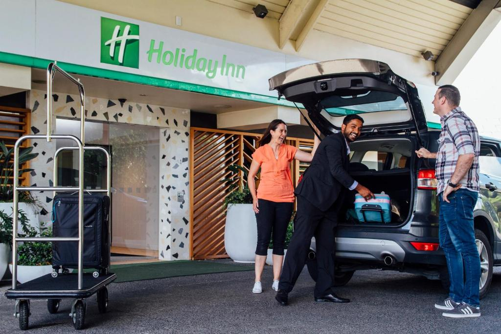 The fitness center and/or fitness facilities at Holiday Inn Auckland Airport