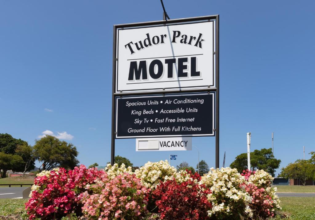 Tudor Park Motel