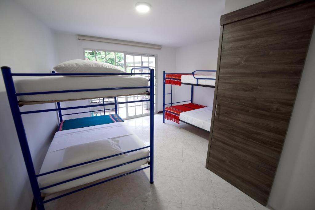 Letti A Castello Per Hotel.Hotel Santa Monica Alta Cali Prezzi Aggiornati Per Il 2020