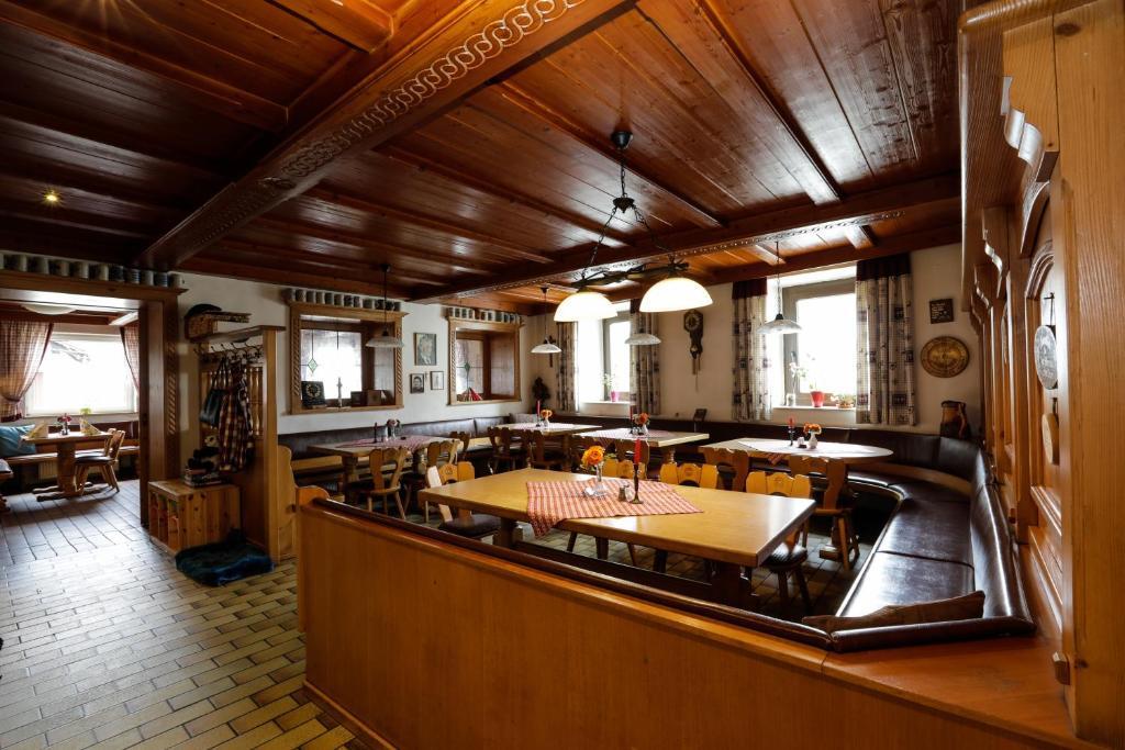 Küche/Küchenzeile in der Unterkunft Gasthof / Pension Götzfried