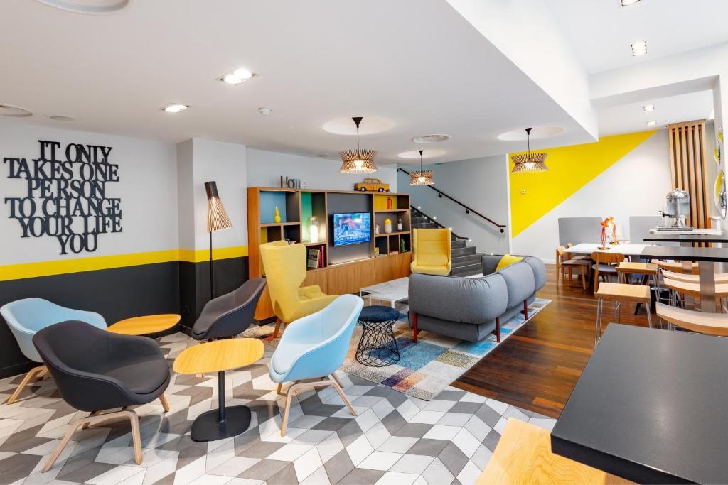 The lounge or bar area at Holiday Inn Paris Opéra - Grands Boulevards