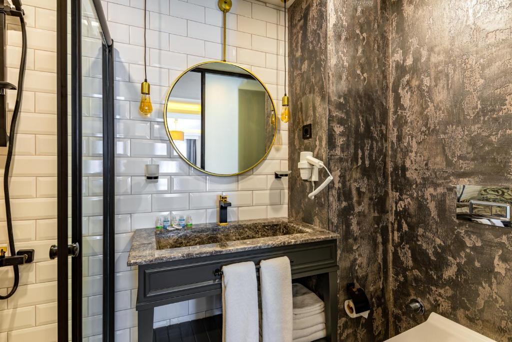 Ванная комната в İnterstar Hotel
