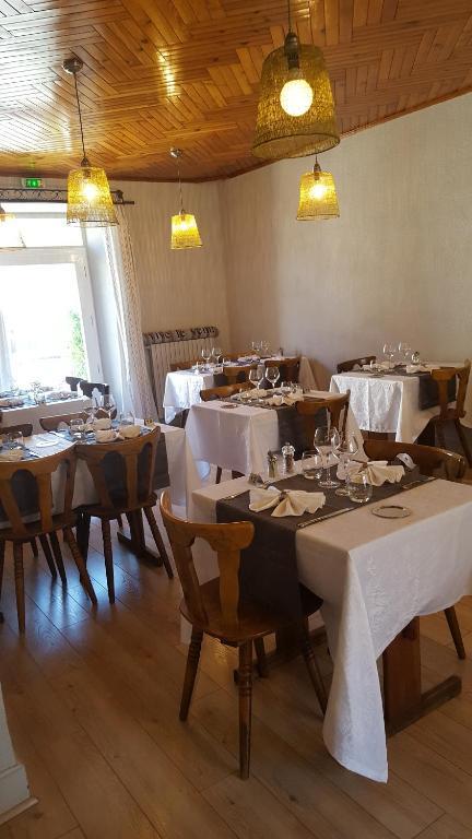 Hotel L Envie Des Mets Lus La Croix Haute France Booking Com
