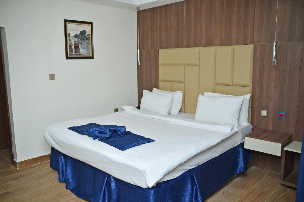 Villa Toscana Hotel Asaba