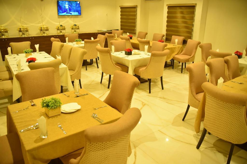 هتل Villa Toscana Hotel Asaba