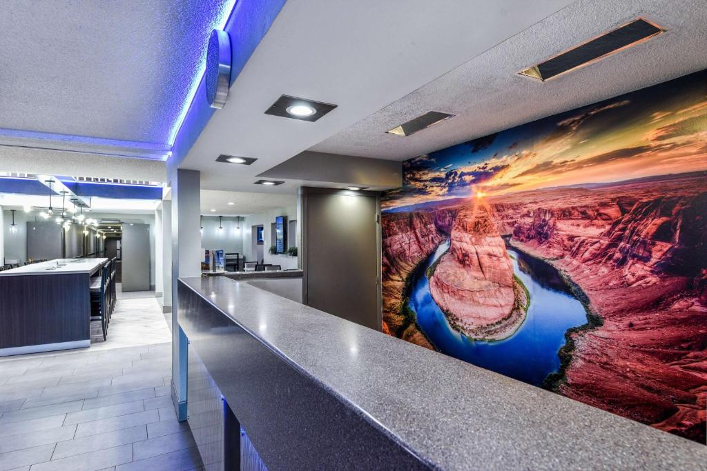 Best Western Mccarran Inn Las Vegas Nv Booking Com