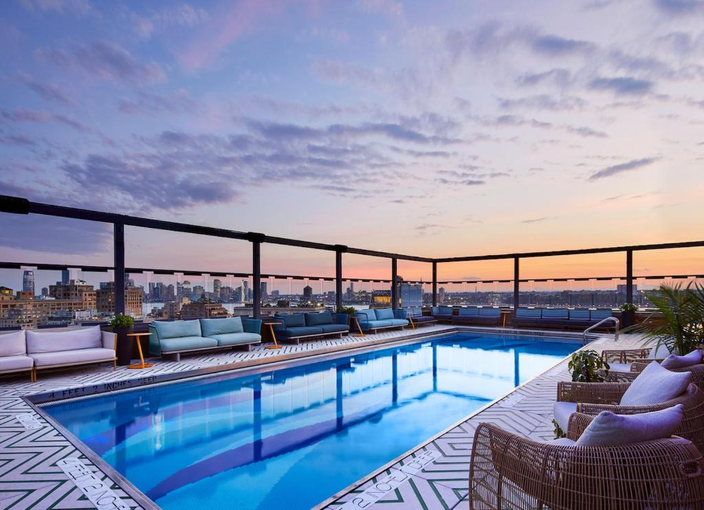 The swimming pool at or close to Gansevoort Meatpacking