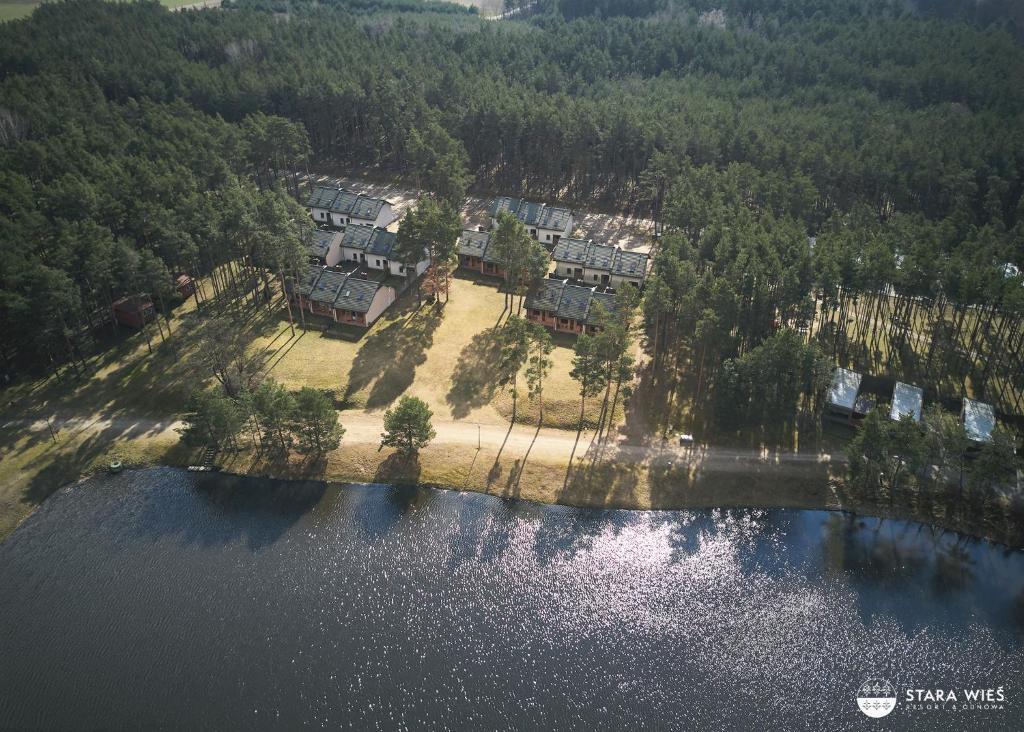 Widok z lotu ptaka na obiekt Resort Stara Wieś