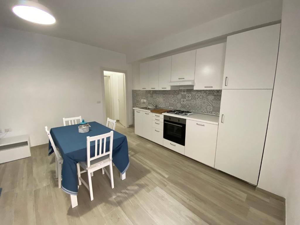 Max Relax Divani Crotone.Karola Apartment Crotone Italy Booking Com
