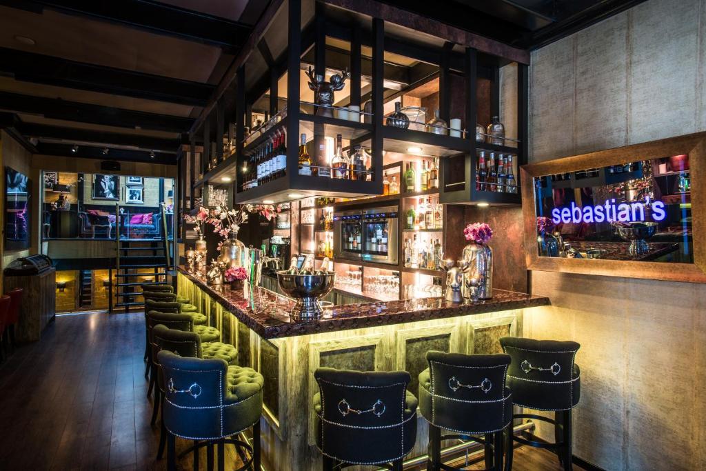 Salon ou bar de l'établissement Hotel Sebastians