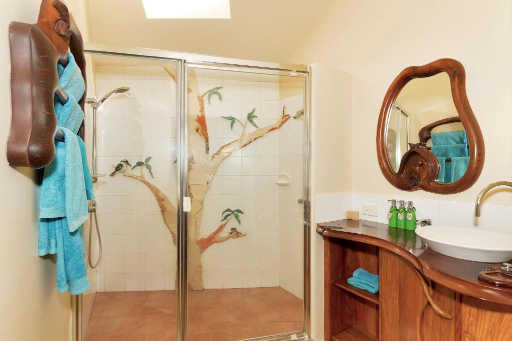 A bathroom at Secrets on the Lake
