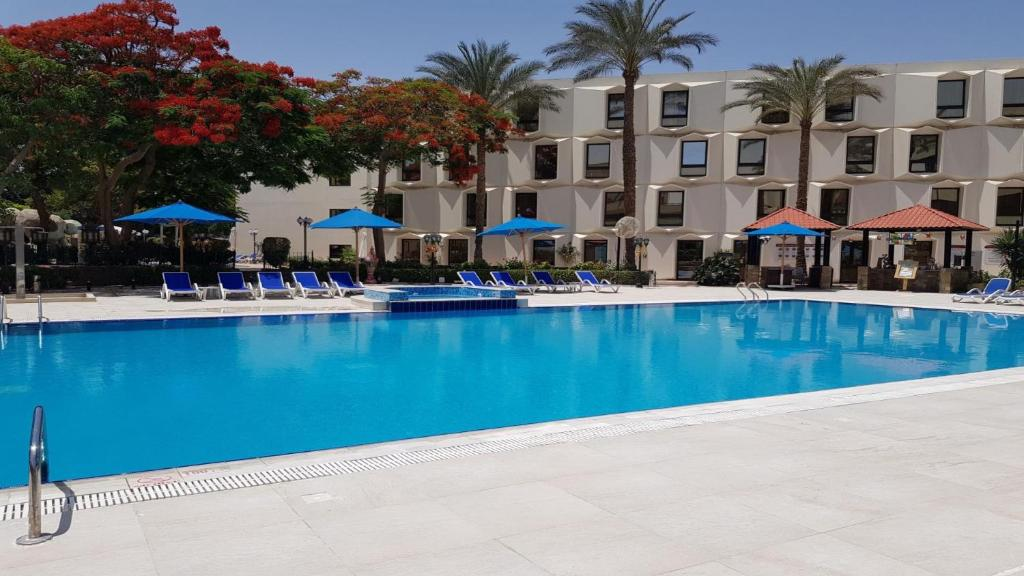 The swimming pool at or close to Le Passage Cairo Hotel & Casino