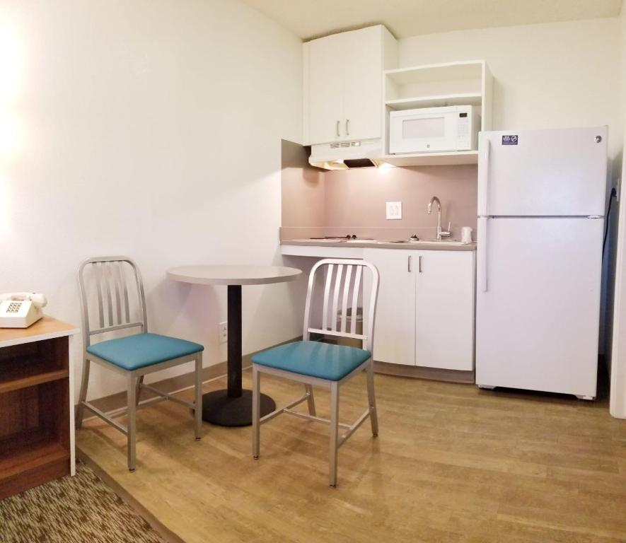 Intown Suites Extended Stay Atlanta Ga
