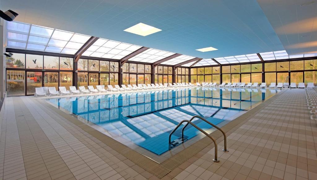 المسبح في Terme Jezercica أو بالجوار