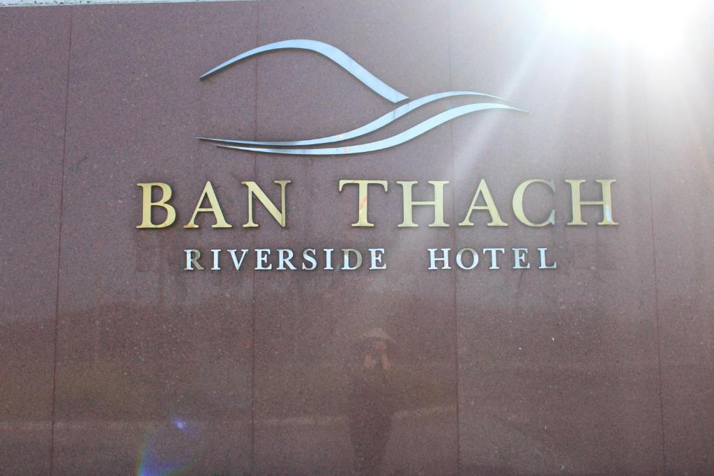 Ban Thach Riverside Hotel & Resort