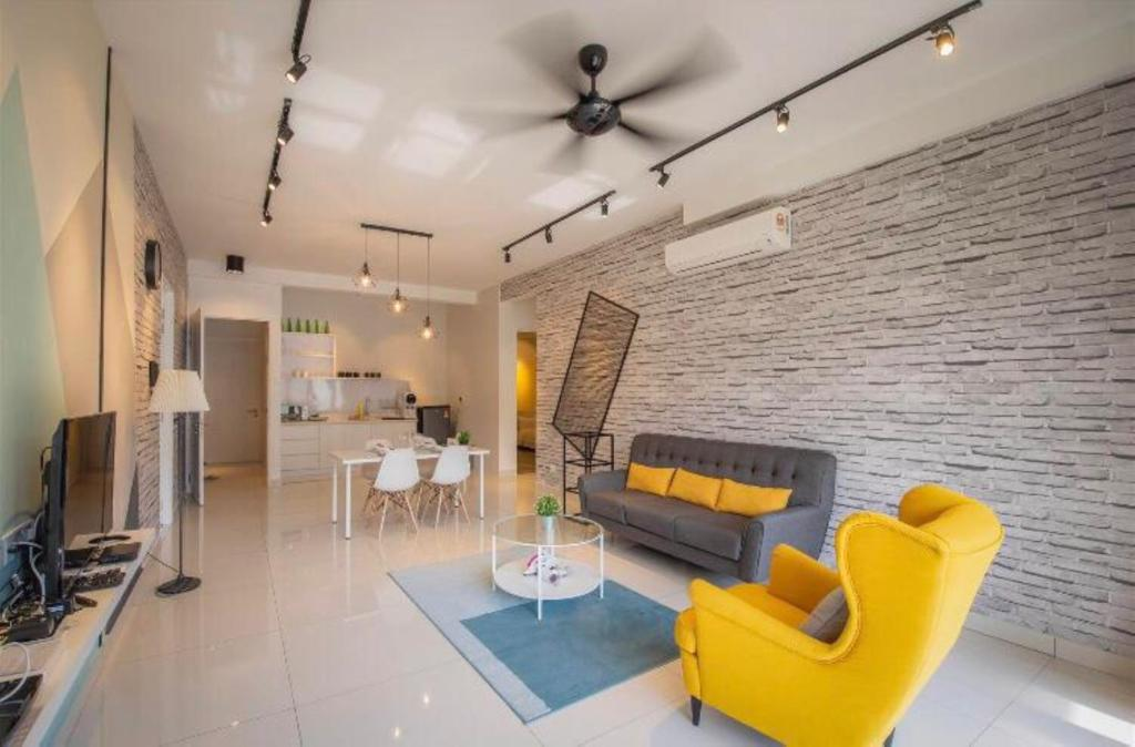A seating area at Arte S 3 Bedrooms Condo