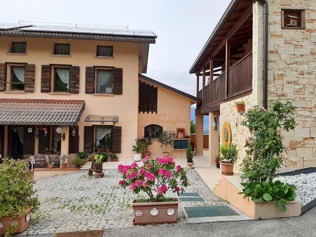 Giochi Di Pulire La Casa apartment casa rosetta, mel, italy - booking