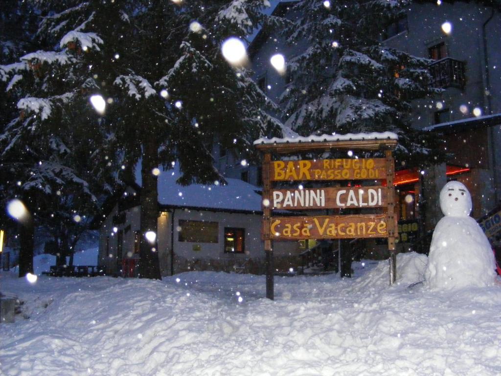 Rifugio Passo Godi during the winter