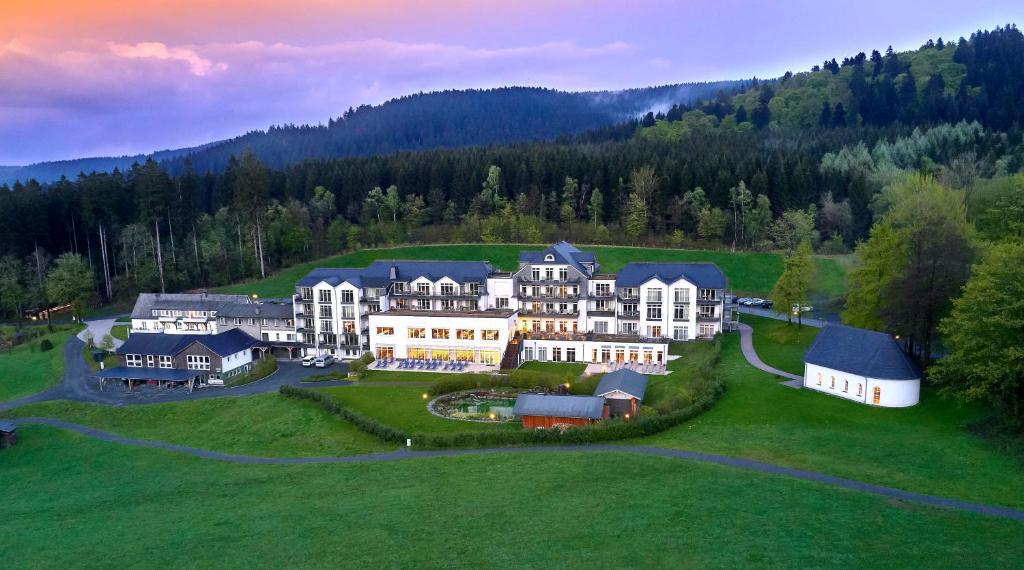 Blick auf Hotel Rimberg aus der Vogelperspektive