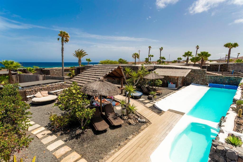 Vista de la piscina de Eco Village Finca De Arrieta o alrededores