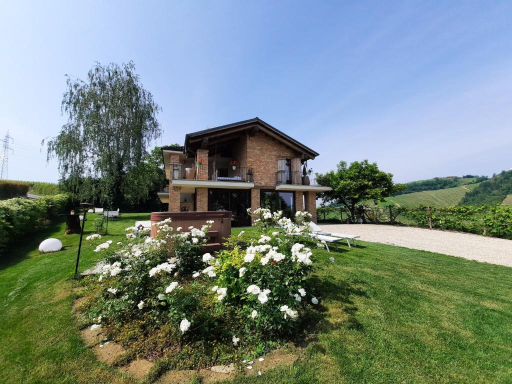Azienda Agricola Porta Magenta villa laura, castellinaldo, italy - booking