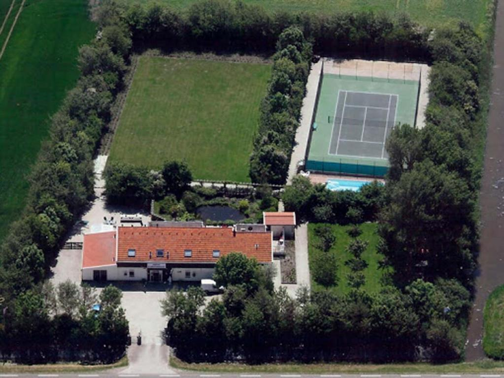 A bird's-eye view of B&B Plompetorenzicht