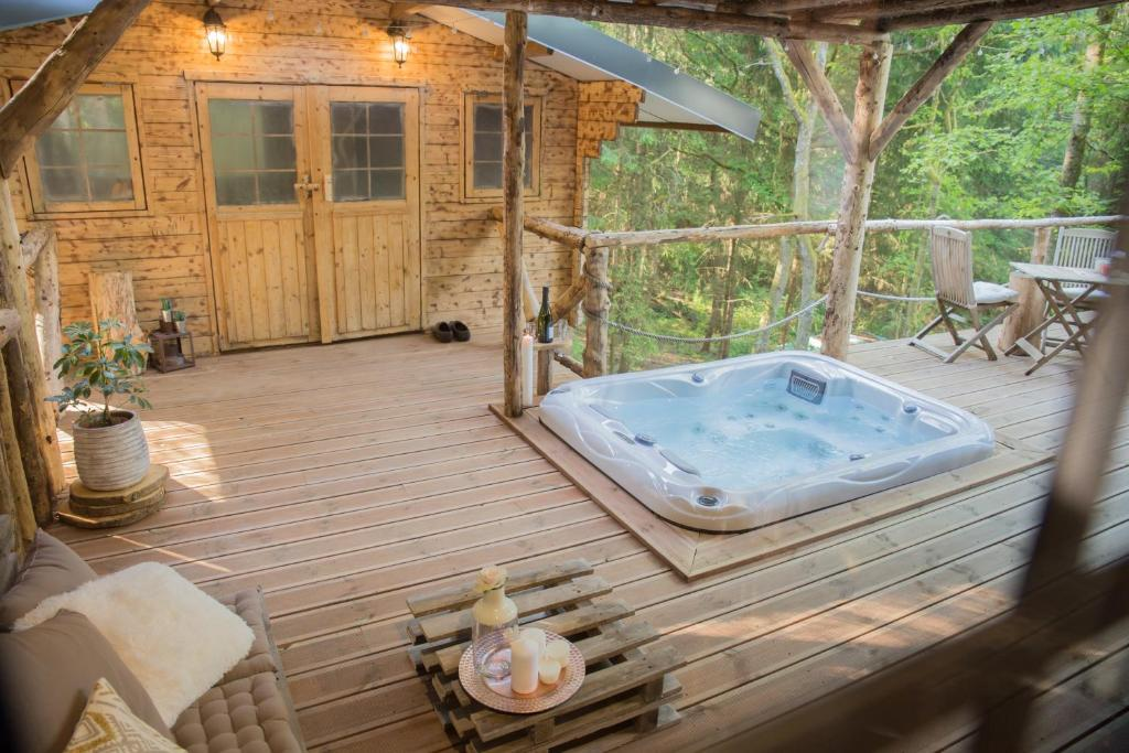Spa and/or other wellness facilities at Wooden Nest